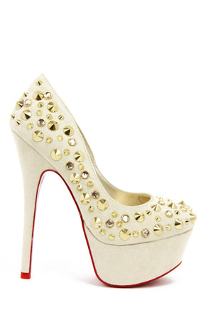 STUDDED PLATFORM PUMP - Cream - Haute & Rebellious