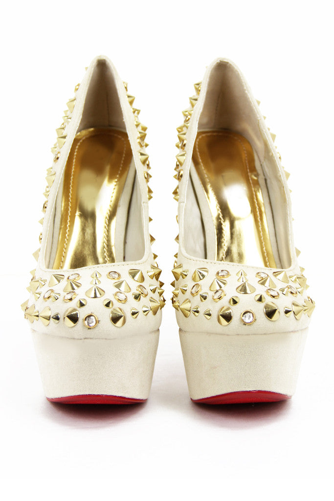 STUDDED PLATFORM PUMP - Cream
