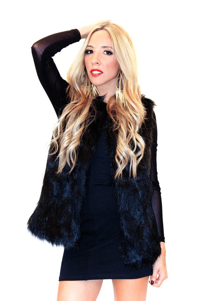 FAUX FUR VEST - Black - Haute & Rebellious