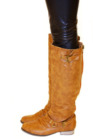 FLAT CAMEL BOOTS - Brown - Haute & Rebellious