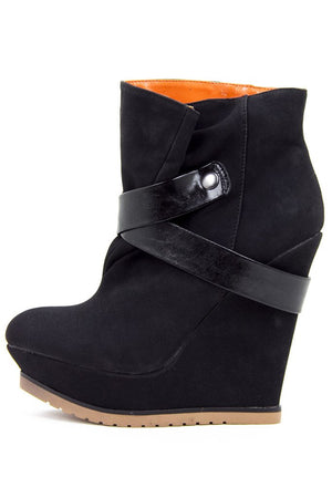BLACK MADORI WEDGE - Haute & Rebellious