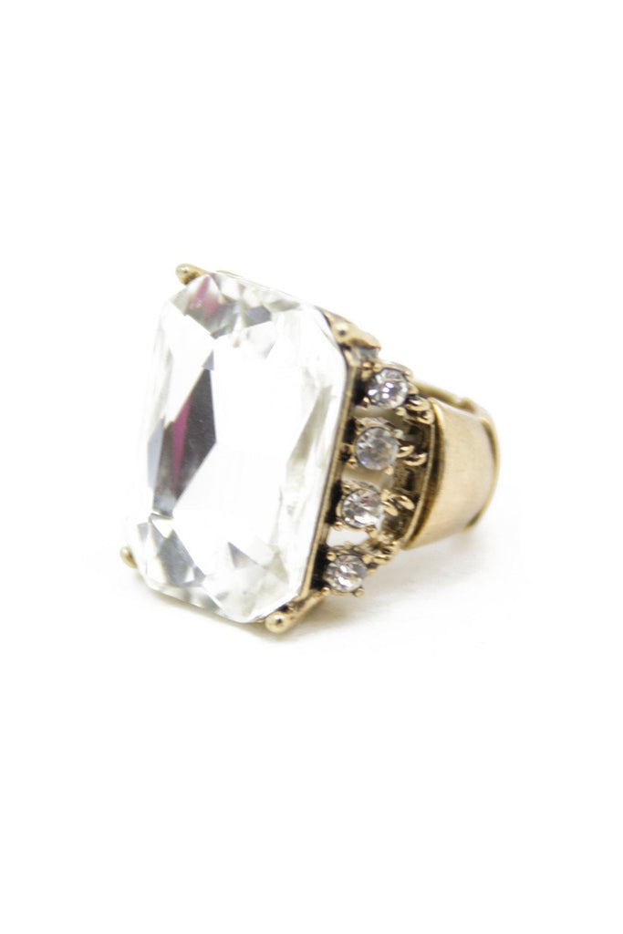 LARGE CRYSTAL STONE RING