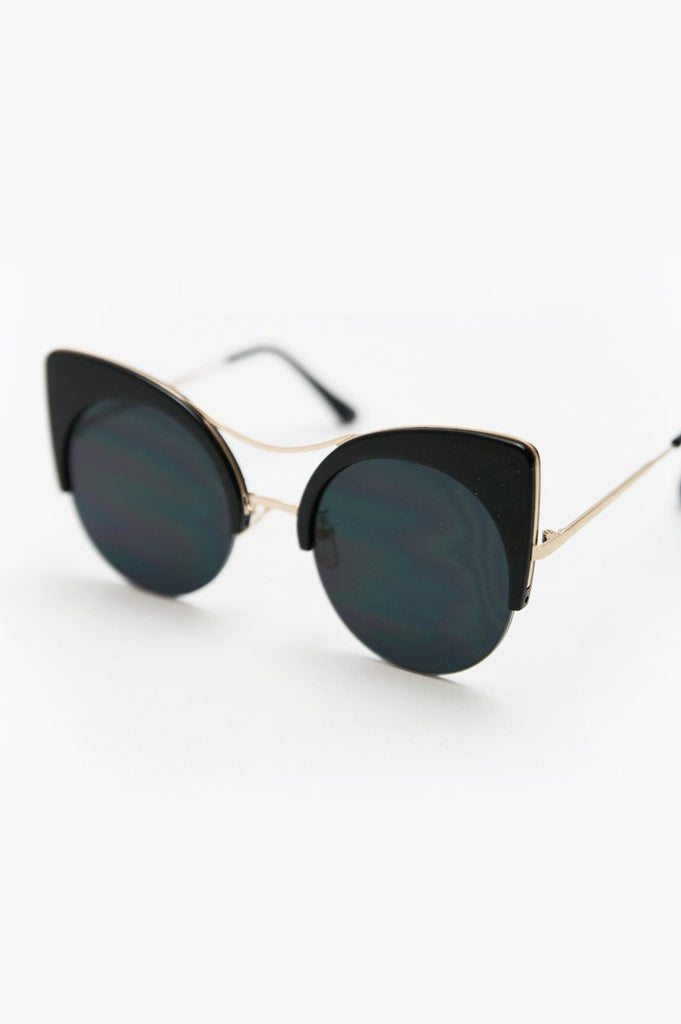 Got Me Moving Sunglasses - Black/Gold