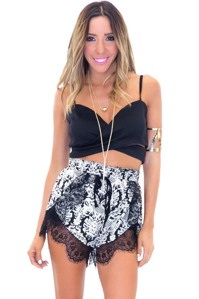 LITTLE DAYLIGHT LACE SHORTS