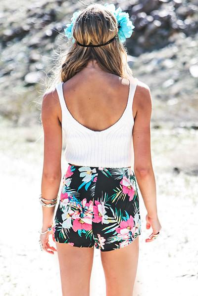 Batai Tropical Print Shorts - Black