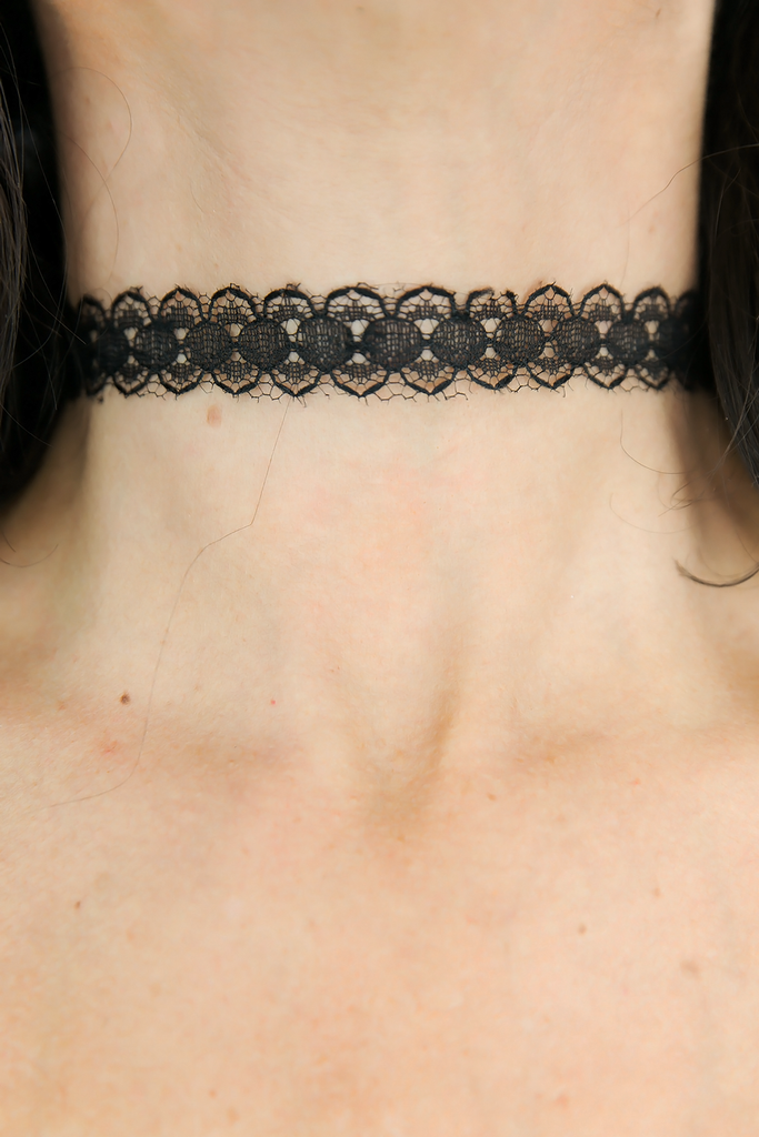 Lace Me Up Choker - Black