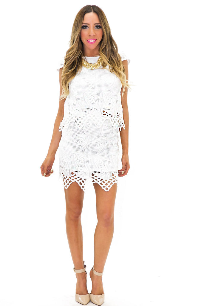 ERIN LACE CUTOUT DETAIL TOP - White