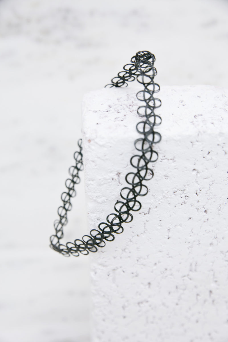 Stretch The Truth Choker - Haute & Rebellious