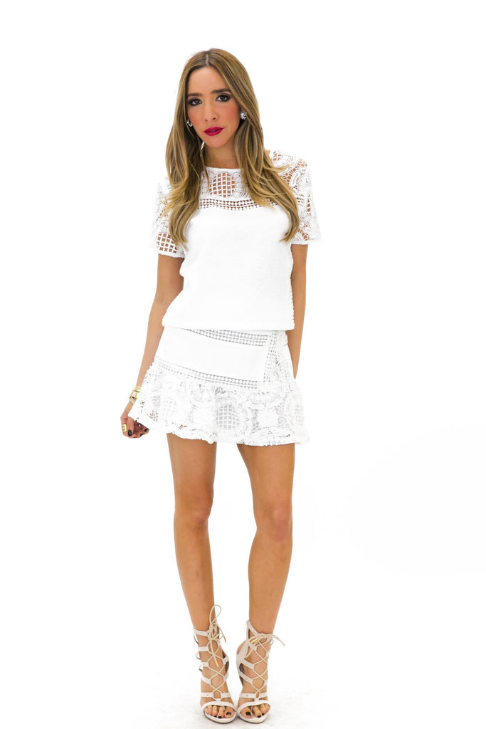 BRITNAY WOVEN LACE SHORT SLEEVE TOP - Haute & Rebellious