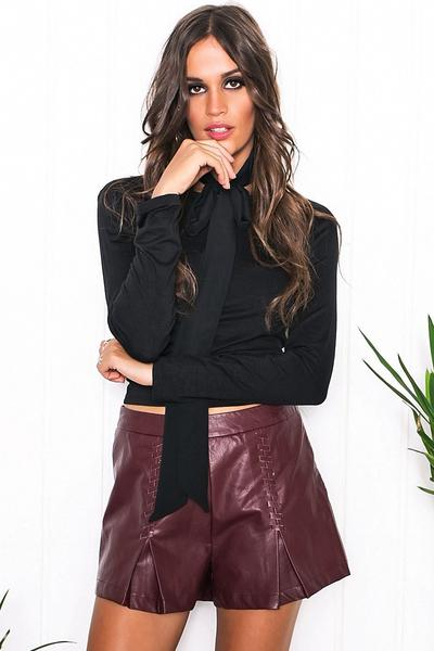 Only Stitched Leather Shorts - Maroon