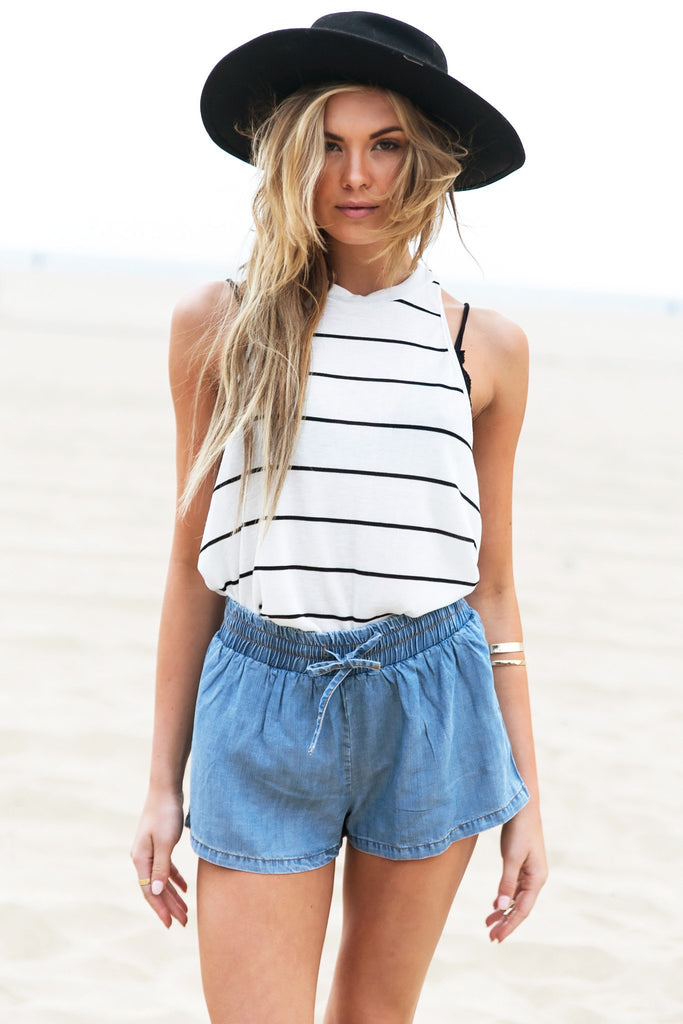 Lala Lightweight Chambray Short