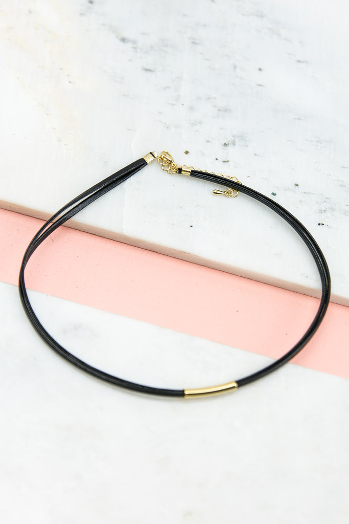 Straight To The Point Choker