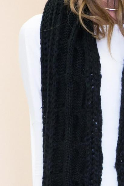 Chunky Knit Scarf - Black - Haute & Rebellious