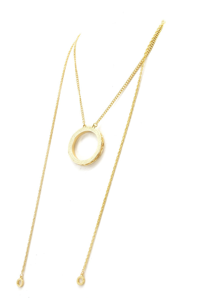 Hazel Circle Pendant Necklace