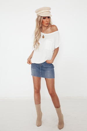 Scoop-neck Pocket T-shirt
