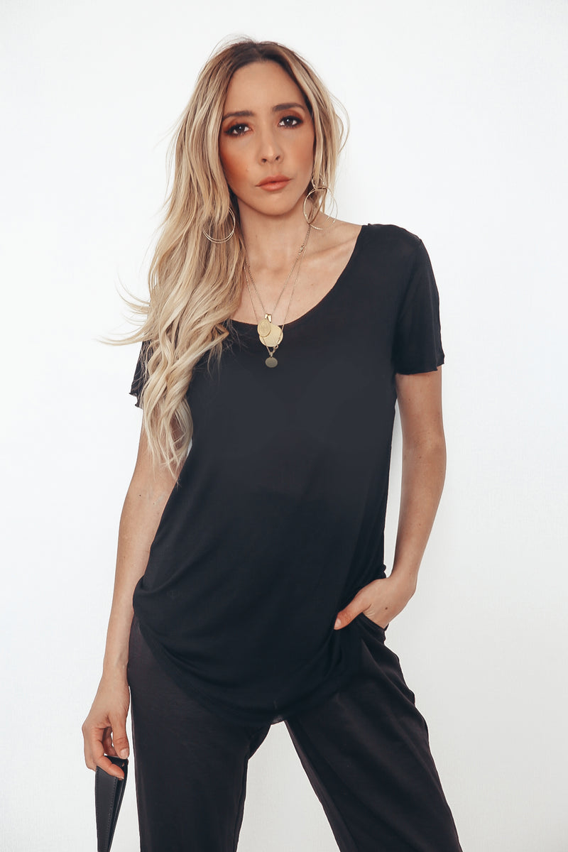 Scoop-neck T-shirt - Black