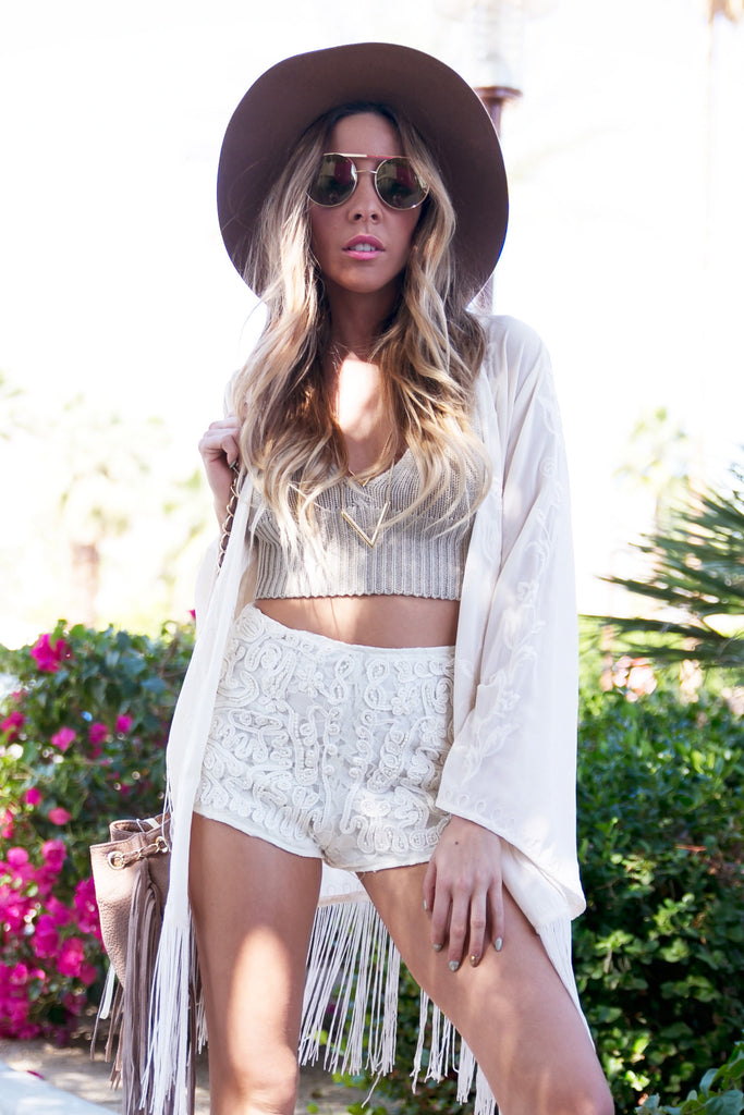 PEARL APPLIQUE LACE SHORTS - Cream