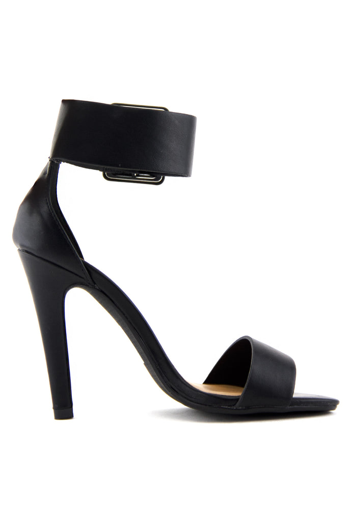 YULIA ANKLE STRAP HIGH HEEL SANDAL - Black