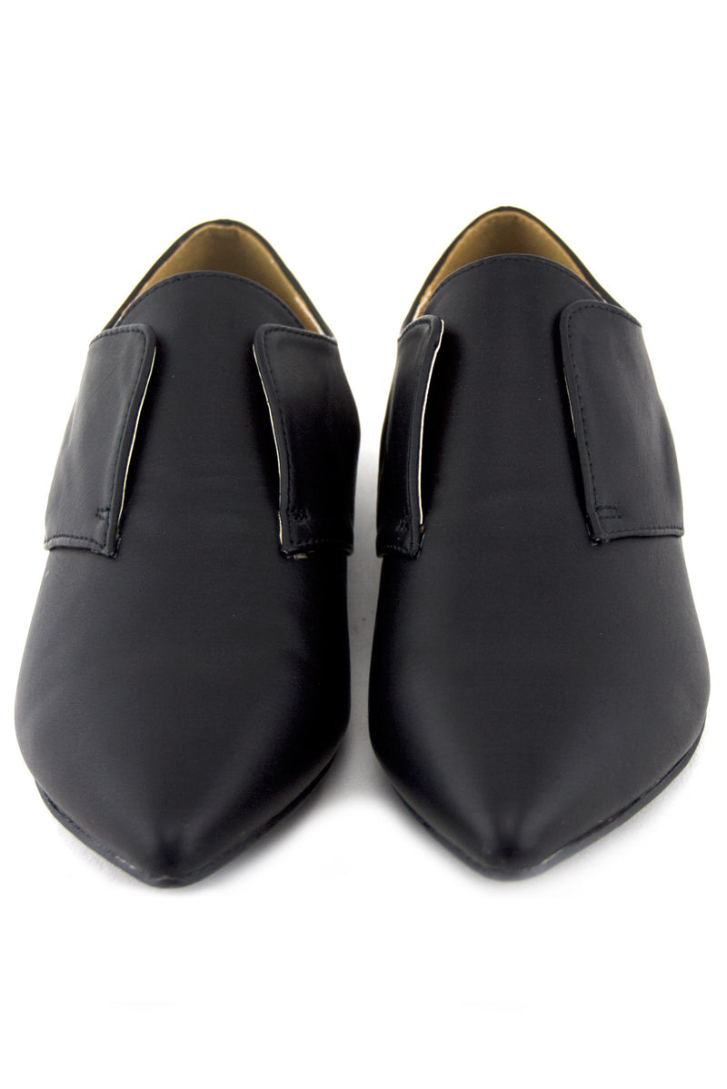 VINCE OXFORD POINTY FLAT - Haute & Rebellious