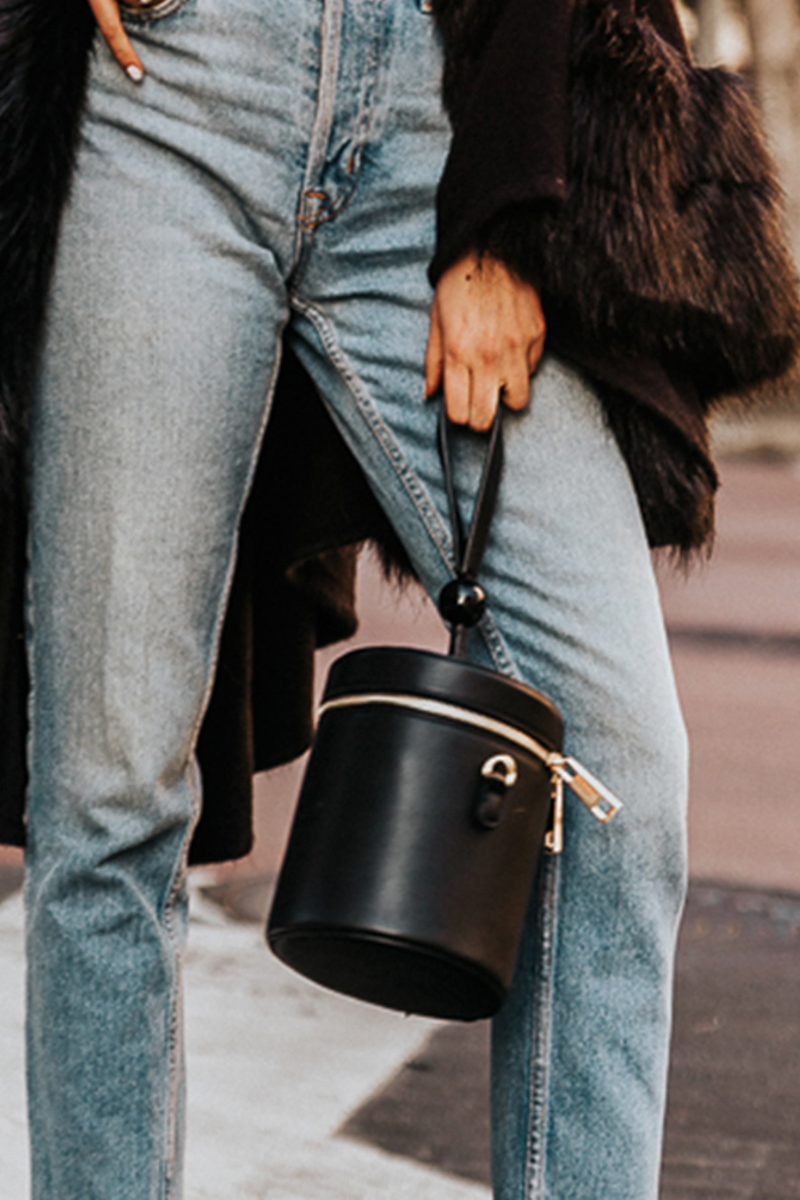 Handle Round Bucket Bag - Black