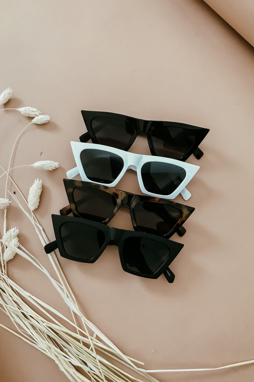 Cat-eye Sunglasses - Matte Black