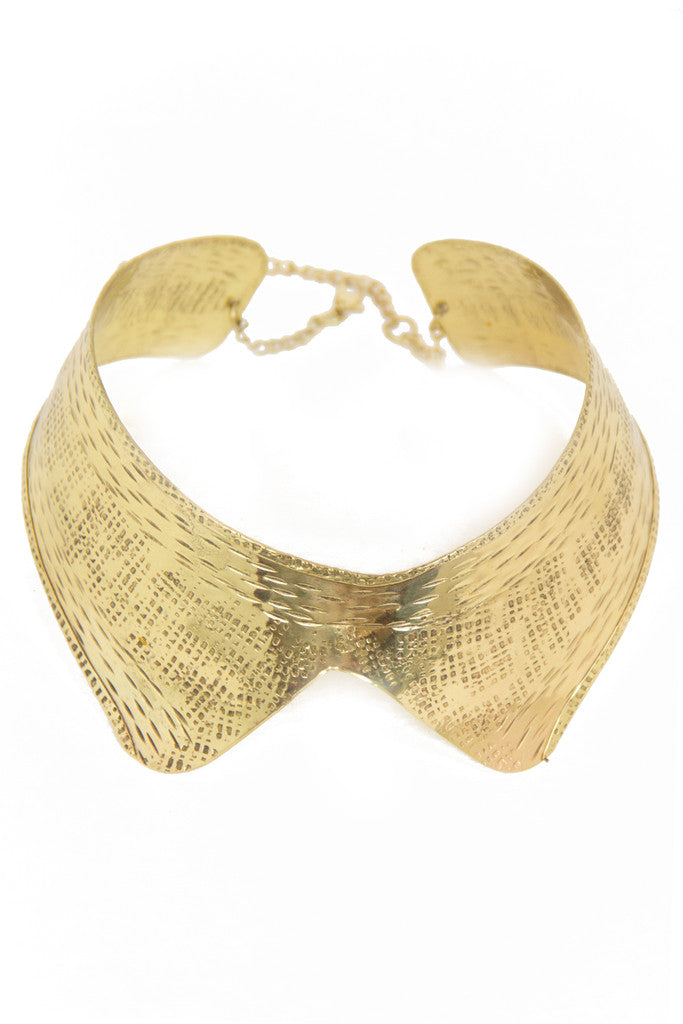 OVERSIZED GOLD COLLAR NECKLACE - Haute & Rebellious