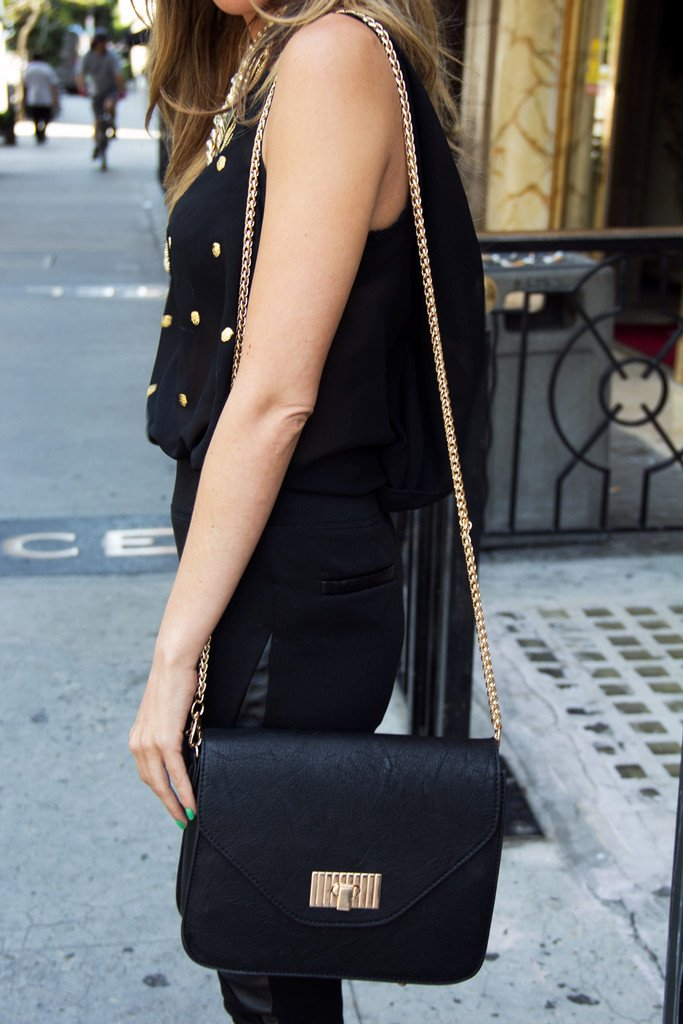 MAXIA SHOULDER BAG - Black & Gold