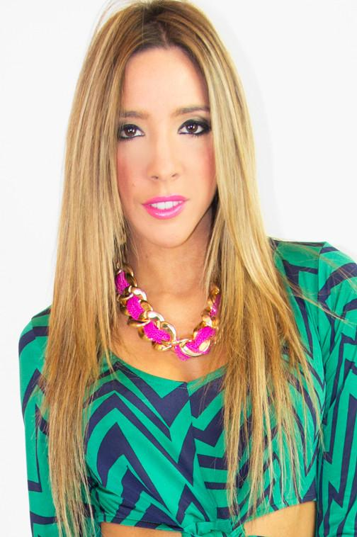 FUCHSIA CHAIN NECKLACE