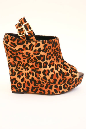LEO WEDGE - Haute & Rebellious