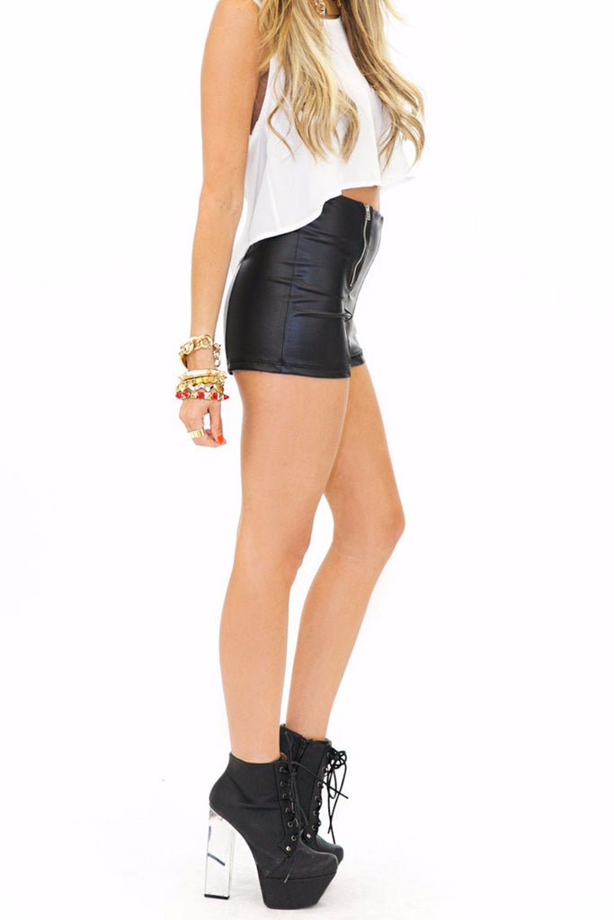 DOUBLE ZIPPER FAUX LEATHER SHORTS