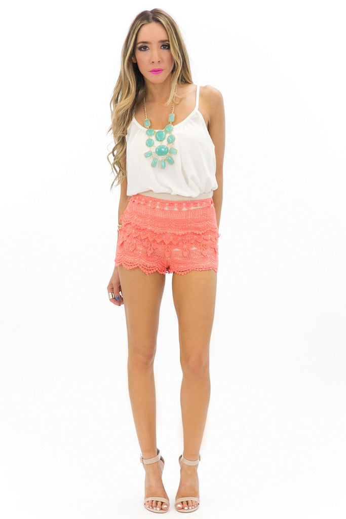 LANA LACE SHORTS - Coral