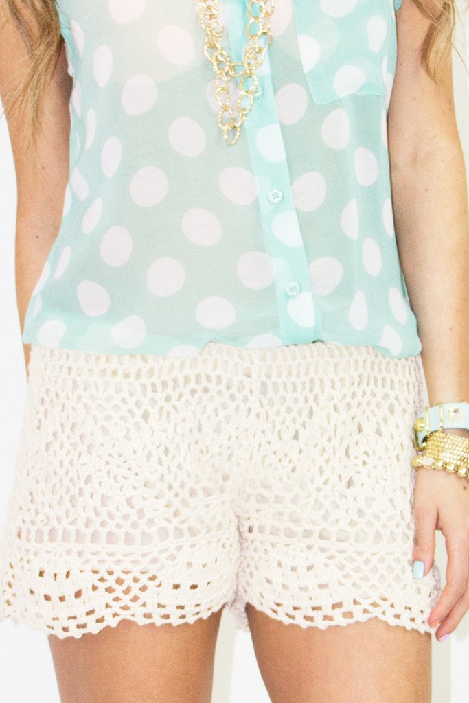 CROCHET SHORTS - Beige - Haute & Rebellious