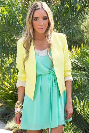 CROPPED BLAZER - Soft Yellow - Haute & Rebellious