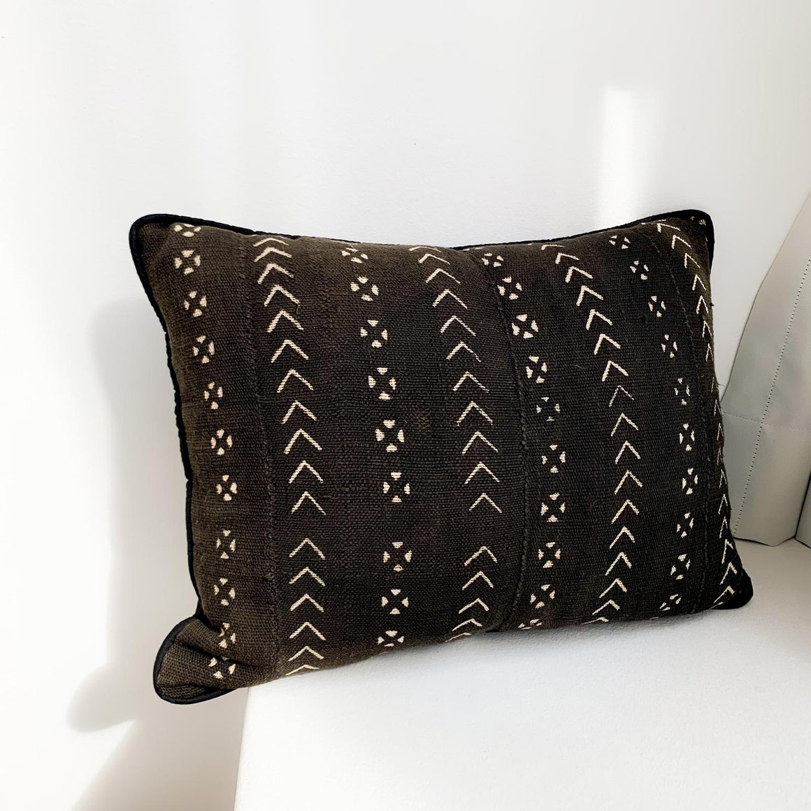 Mini Arrow Mudcloth Cushion- Black