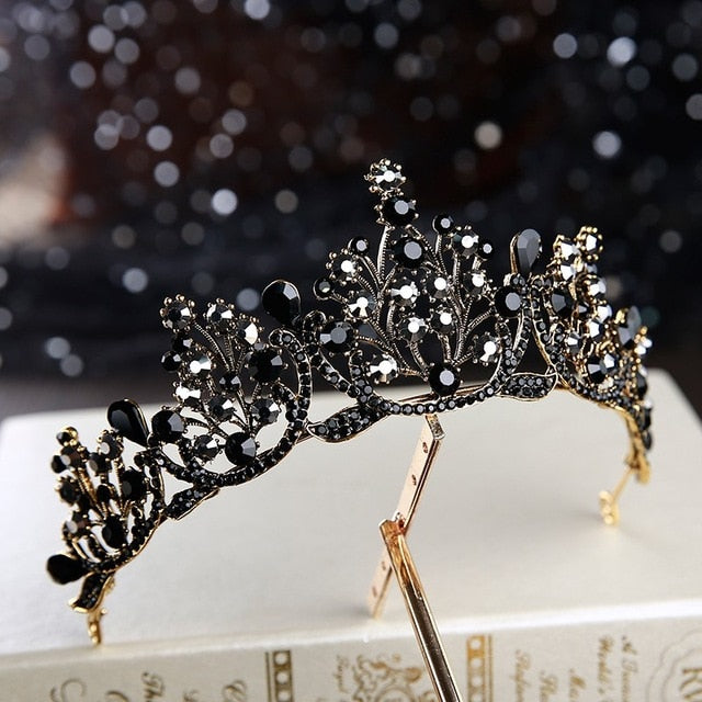 Black Labyrinth Tiara