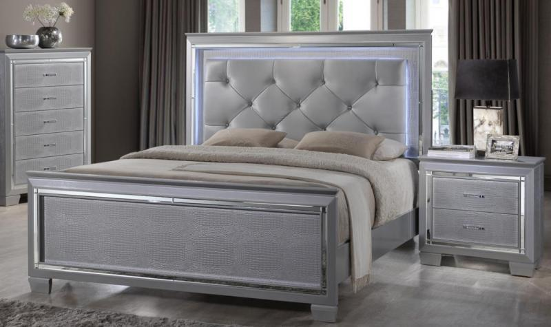 Classy Tufted Queen Bedroom Set