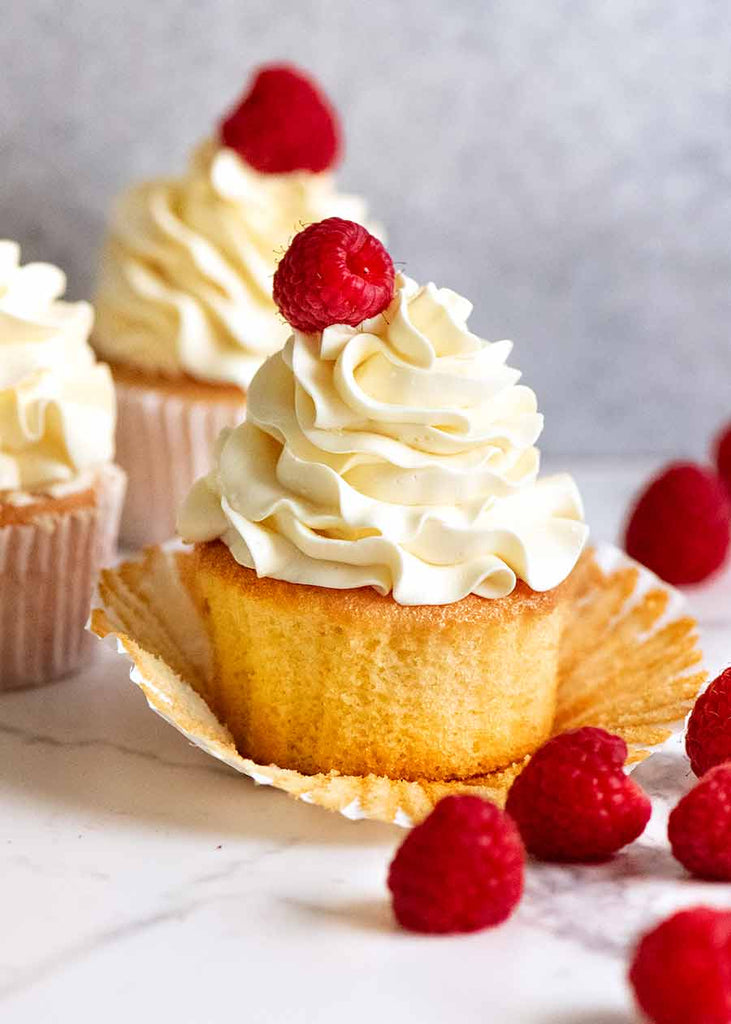 Magical Stay-Moist Vanilla Cupcakes