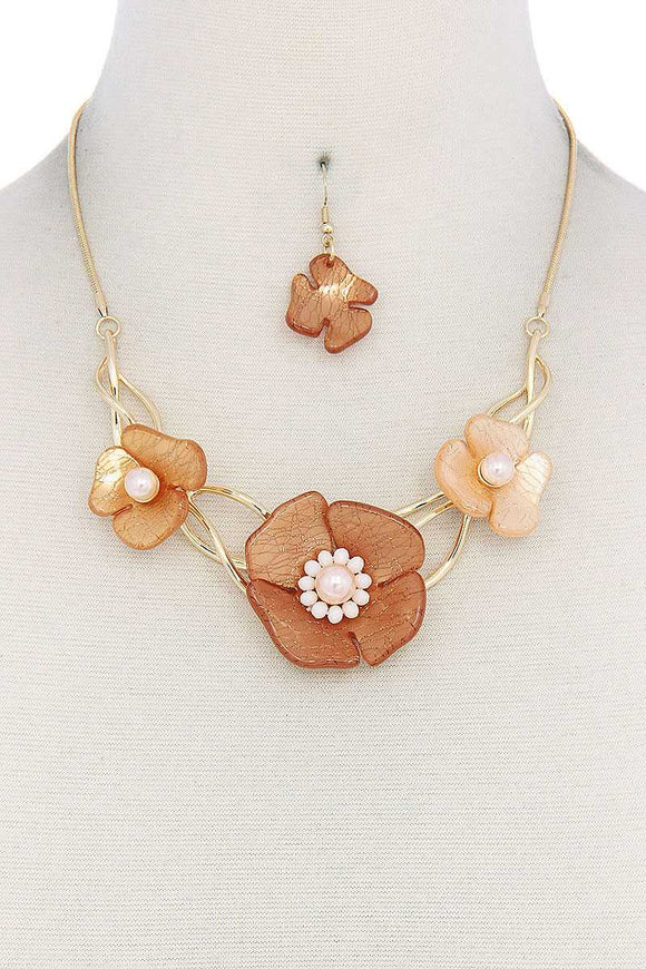 Floral Necklace - APPLES PEACHES PEARS