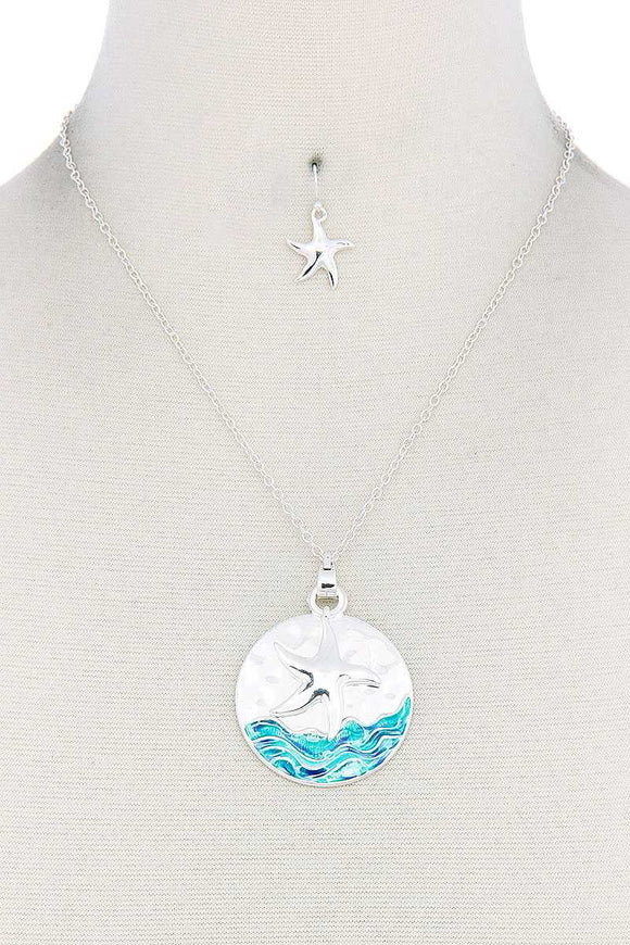 Starfish Round Pendant Necklace - APPLES PEACHES PEARS