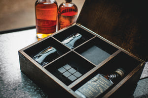 WHISKEY BOX – OAK GIFT SET - Rosemary & Wines