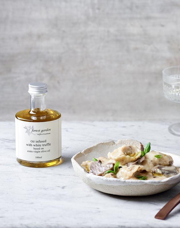 Gourmet grocery shopping online FREE delivery in Australia, Melbourne, Sydney, Brisbane, Canberra, Perth and Adelaide. Premium White Truffle Oil gourmet gift BY GRECIAN PURVEYOR