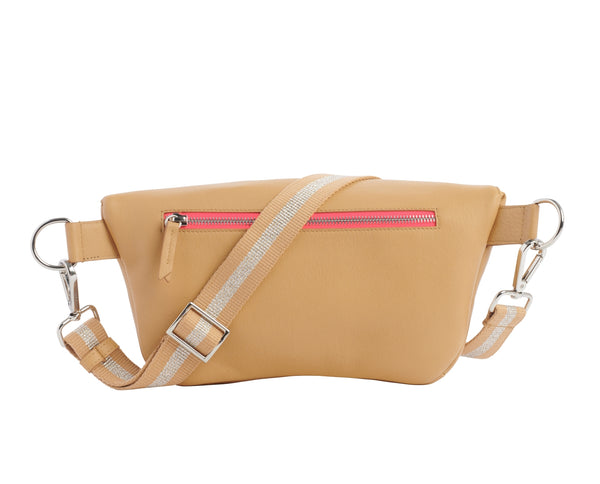 Marie Martens large belt bag beige -back view
