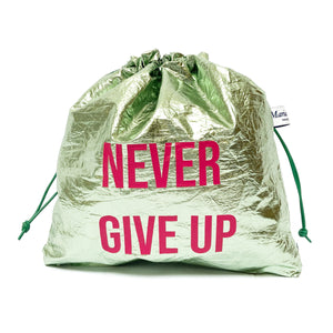 ''Never Give Up'' laminated Pouch Bag Maria La Rosa