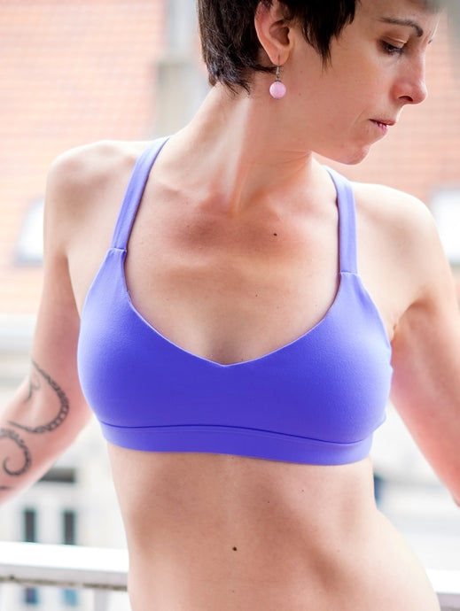 Extra mile yoga bra front Lorna Jane Brussels La Woman Touch