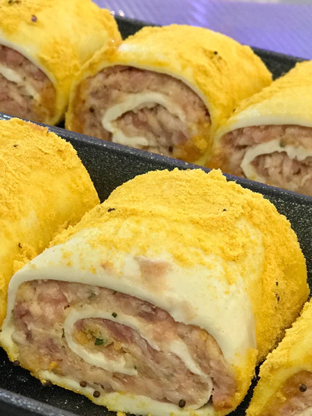 CHICKEN, BACON & CHEESE SAUSAGE ROLLS