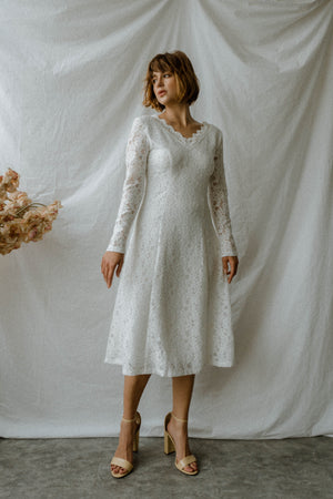 MARIELLE LONG SLEEVES MIDI LACE DRESS