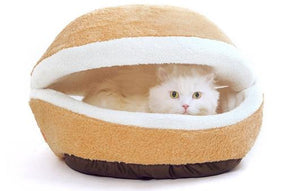Soft & Cuddly Hamburger House Bed