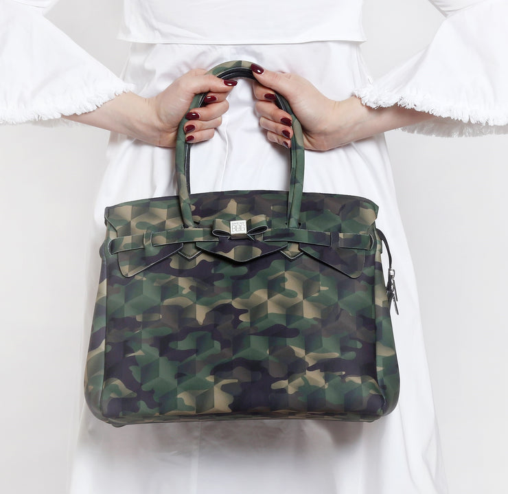 Miss Plus Stampata - camouflage green lifestyle