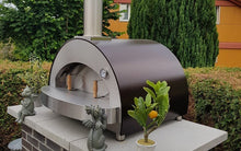 The ALFA 4 PIZZE countertop model can be added to your outdoor kitchen and is ideal for entertaining large parties and cook 4 pizzas at a time