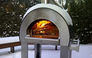 The ALFA 5 Minuti allows you to enjoy great food even in winter with it high heat output and insulation keeps the cold out